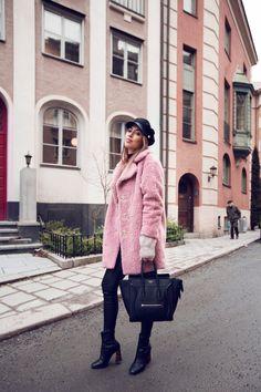 Kenza_Zouiten_Pink_Jacket_02