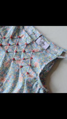 Saree Blouse Neck Designs, Dress Neck Designs, Fancy Blouse Designs, Trendy Sarees, Trendy Dresses, Girls Skirt Patterns, Saree Jackets, Baby Dress Design, Kurta Designs Women