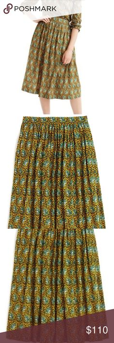 """J.CREW SKIRT I Love Elephants skirt ❤🐘❤New with tags, never worn!! Beautiful!! With pockets. Green/yellow color.  I paid with taxes $151.00 but i never wore it. Measurements: Waist 17"""" aprox. Lenght 30"""" aprox. Perfect present 😉 ✔Look at all pictures ✔I ship fast ✔Bundle up for more taxes ✔Reasonable offers only 💰 ✔FREE SHIPPING when bundle by itself 👉🛍🎁💰👈 J. Crew Skirts"""
