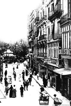 Estallan bombas en cafés y locales de la bajada de San Francisco | Valencia 1920......Un artefacto estallaba en el café el 24 de mayo y mataba a un obrero. Ha habido explosiones en el Apolo, el Café de España, La Esfera y la ferretería de Ernesto Ferrer.
