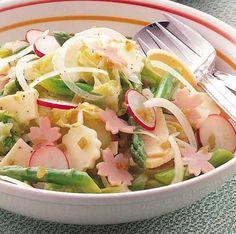 野菜を梅酒ドレッシングでさっぱりいただくサラダはいかが? - 95件のもぐもぐ - 春野菜のシャキシャキサラダ by チョーヤ梅酒