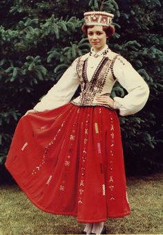 latvian folk dress - Cerca con Google