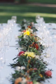 Garland Table Runner | Fall Winery Wedding | Evangeline Lane Photography | Bridal Musings Wedding Blog