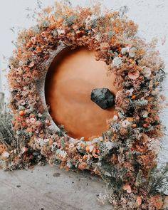 Latest Wedding Trends To Plan an Unforgettable Wedding in 2021 ❤ wedding trends wedding flowers arch circle #weddingforward #wedding #bride #weddingtrends #weddingdecorations