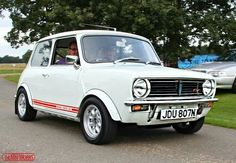 . Mini Cooper Classic, Classic Mini, Classic Cars, Mini Morris, Ultimate Garage, Mini Cooper Clubman, Mini S, Small Cars, Kustom