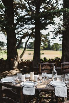 Satellite Island Styled by Annabelle Hickson Photo by Luisa Brimble Throw A Party, Al Fresco Dining, Slow Living, Party Entertainment, Outdoor Dining, Dining Area, Tablescapes, Table Settings, Island