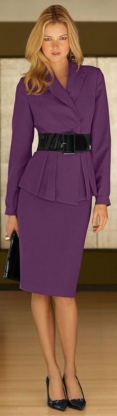 "The Chic Technique: Women's Fall Fashion - Purple ""Power"" Suite. Street Style, matching skirt suit + wide belt, can be done with block colors too Office Fashion, Business Fashion, Work Fashion, Business Casual, Business Style, Street Fashion, Fall Fashion, Looks Street Style, Street Style Women"