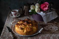 Giornata nazionale della torta di rose. Oggi 4 maggio, per il calendario del cibo italiano è la giornata nazionale della torta di rose del Garda. Una torta soffice, profumata, che ricorda un bouquet di rose. Una torta che ripaga mille volte la lunga lavorazione per il suo gusto veramente speciale! La storia della torta di ... Read More about  La torta di rose del Garda, ricetta di Massari e Zoia. L'articolo La torta di rose del Garda, ricetta di Massari e Zoia. proviene da mum cake frelis. Torte Cake, Oreo, Camembert Cheese, Desserts, Food, Food Cakes, Calendar, Tailgate Desserts, Deserts