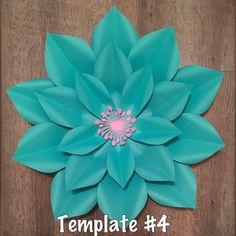 Este listado está para el papel flor plantilla de #4 La plantilla viene con 4 pétalos de diferentes tamaños y se puede utilizar para hacer una variedad de flores de papel grandes estilo diferentes. Una vez ordenado, plantillas de toman unos 5-7 días al correo.