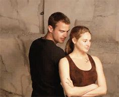 Shailene Woodley GIFs, pictures with her co-stars: Theo James (Divergent), Miles Teller (Spectacular Now), Ansel Elgort (Fault in Our Stars). Divergent Movie Stills, Divergent Fandom, Divergent Trilogy, Divergent Insurgent Allegiant, Divergent Poster, Divergent Outfits, Tris Und Four, Tris And Tobias, Theo James