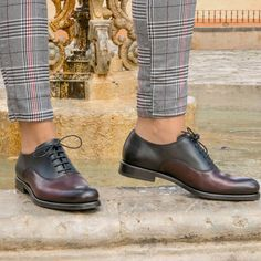 Custom Made Women's Oxford in Black and Burgundy Painted Calf Leather From Robert August. Create your own custom designed shoes.