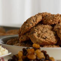White Chocolate Oatmeal Raisin Cookies by David Venable/QVC