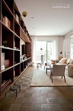 Reforma no apartamento deixou concreto aparente em vigas - Casa