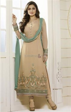 Trendy Looking Latest Bollywood Salwar Kameez Designs For Stylish Ladies #Indian #Traditional #Color #Beige #Attractive #Modern #Designer #Indianwear #Pretty #Collection #Happy #Fashion #Style #Interesting #Freshness #Look