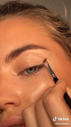 Edgy Makeup, Makeup Eye Looks, Eye Makeup Art, Skin Makeup, Eyeshadow Makeup, Beauty Makeup, Makeup Trends, Makeup Inspo, Makeup Inspiration