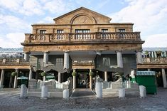 Spectacular Optical Illusion In London's Covent Garden by Alex Chinneck 6