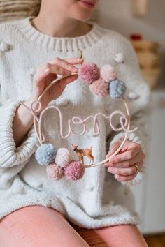 Name circle with bobbles and baby animal Namenskreis mit Pompons und Tierbabys Etsy Pom Pom Crafts, Yarn Crafts, Diy And Crafts, Handmade Headbands, Diy Headband, Handmade Baby, Etsy Handmade, Handmade Crafts, Handmade Rugs