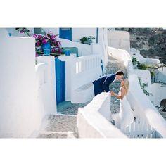 #Romance and #Love in #Santorini Photo credits: @nesolru