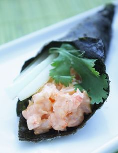 I miss Sushi!----Spicy Shrimp Hand Rolls by ibreatheimhungry: Low carb, easy to make, and no raw fish required! Keto Shrimp Recipes, Low Carb Recipes, Cooking Recipes, Healthy Recipes, Primal Recipes, Veggie Recipes, Cooking Tips, Dessert Recipes, Desserts