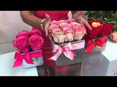 LOVELY ROSES TUTORIAL (CAJA DE ROSAS PEQUEÑA) - YouTube Valentine Gift Baskets, Valentine Gifts, Nylon Flowers, Silk Flowers, Pretty Flowers, Fresh Flowers, How To Wrap Flowers, Balloon Gift, Rose Tutorial