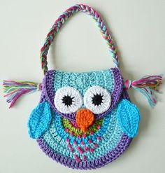Bolsa de crochet infantil. Coruja