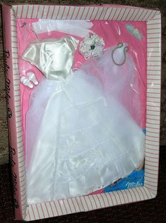 NRFB MIP UNOPENED 1962 BRIDES DREAM, SNOW WHITE PRISTINE OUTFIT, CELLO PERFECT