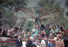19 retro kép a budapesti Vidámparkról, a hetvenes évekből – DELUXE Village Fete, Anno Domini, Retro Kids, Fun Fair, Budapest Hungary, Amusement Park, Ferris Wheel, Retro Vintage, The Past