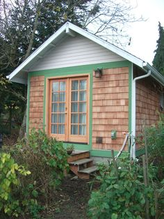 In Portland there is a tiny house built by Walt Quade of Small Home Oregon. Walt builds and ships lovely 325 square foot homes anywhere within the state of Oregon. Walt has been a residential designer/builder since 1992 and is dedicated to building smaller homes. This tiny house is built on a foundation in his backyard.