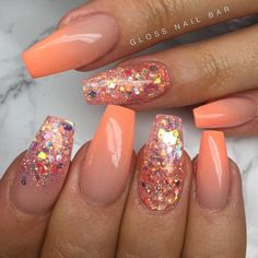 Obsessed with this muted orange ombré This Romantic Coral shade from is all you need for a fun summer date . Coral Nails Glitter, Coral Acrylic Nails, Summer Acrylic Nails, Coral Nail Art, Orange Nail Art, Gold Glitter, Sky Nails, Shellac Nails, Uñas Color Coral