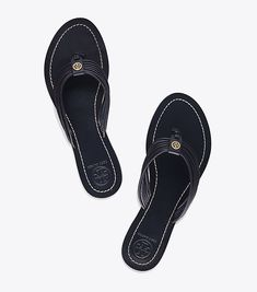 Visit Tory Burch to shop for Sienna Flat Thong Sandal and more Womens New Arrivals. Find designer shoes, handbags, clothing & more of this season's latest styles from designer Tory Burch.