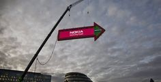 Nokia's 'world's biggest signpost' in London, greta use of mobile and real world experiential to highlight a product offering