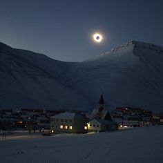 """""""""""Tourists from all around the world have traveled here to see the eclipse,"""" @tinemari wrote in an email this morning from #Longyearbyen, in #Svalbard, a…"""""""