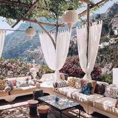 Gününüz güzel geçsin. #teras #balkon #yaz #yazevi #perde #pergola #çardak #sedir #asma #asmaağacı #fener