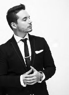 J. BALVIN SINGER..CANCELS HIS APPEARANCE IN BEAUTY PAGEANT DUE TO COMMENTS BY DONALD TRUMP. HE DID THIS TO DEFEND HIS PEOPLE! NOW THAT'S GANGSTA! WELL DONE.