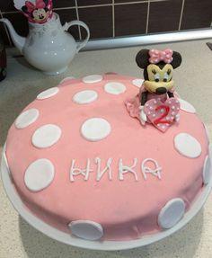 Fondat Minnie Mouse cake