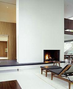 BassamFellows Journal - WILLIS MILLS HOUSE - Gap between floor and rail/half-wall overlook