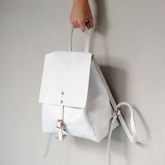 Alfie Douglas Alfie Two - Medium Backpack / White