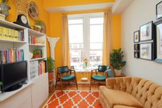 ♥ this yellow and orange living room Room Wall Colors, Living Room Orange, Up House, Yellow Walls, Living Room Kitchen, Creative Home, Room Paint, Contemporary Interior, Interior Inspiration