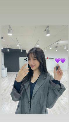 South Korean Girls, Korean Girl Groups, Kpop, Instagram Story, Women, Twitter, Life, Fashion, Moda