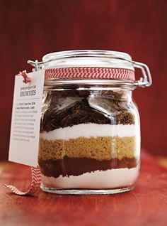 Brownie Recipes 63296 Ricardo recipe from Brownies in jar to offer Brownie Mix In A Jar Recipe, Brownies In A Jar, Brownie Recipes, Brownie Jar, Jar Gifts, Food Gifts, Ricardo Recipe, Meals In A Jar, Diy Birthday
