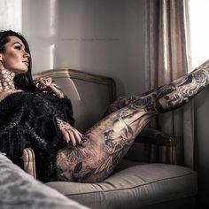 Girl with dreada big ass and richard ramerizez tatoo Constantine Poursanidis Constantinepoursanidis Profile Pinterest