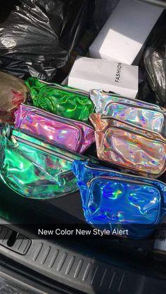 Louis Vuitton Monogram Empreinte Leather Pochette Metis Handbag Article: Made in France – The Fashion Mart My Bags, Purses And Bags, Mochila Nike, Bag Closet, Luxury Marketing, Chanel Handbags, Chanel Bags, Chain Shoulder Bag, Shoulder Bags