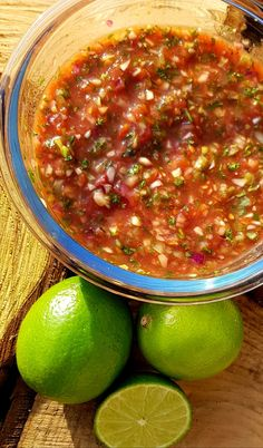 Mexican salsa with tomato, onion and lime – RECIPE – Burgers truffles - Fingerfood Ideen Authentic Mexican Recipes, Mexican Food Recipes, Lime Recipes, Gourmet Recipes, Healthy Recipes, Cheap Clean Eating, Clean Eating Snacks, Salsa Picante, Salsa Salsa