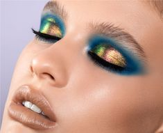 Peacock Eye Makeup, Teal Makeup, Yellow Eye Makeup, Makeup Inspo, Makeup Art, Bird Makeup, Teal Eyeshadow, Blue Eyeshadow Looks, Liquid Eyeshadow