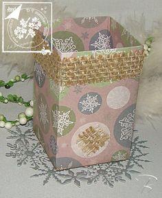 Geschenk- oder Aufbewahrungsbox mit dem Envelope Board von Joy!Crafts http://billes-bastelblog.blogspot.de/2016/11/4-messetag-kreativ-welt-in-frankfurt.html Viele Bastelgrüße Bille