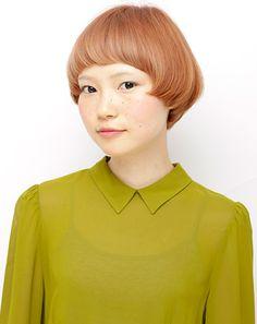 マッシュショート ピンクベージュ ヘアコレ ヘアスタイルカタログ 髪型 HAIRstyle 美容室 可愛い カラーリング color ショート