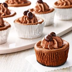 Repin if you are going to make these Mini Mocha Cheesecakes for your next girls' night in!