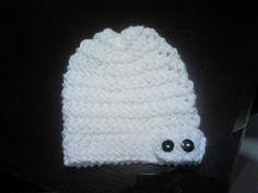 Gorro slouchy beanie calado con banda y botones tejido en telar por Marisol A