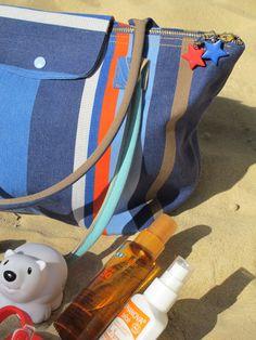 DIY Tutorial: The Longchamp ® Folding Beach Bag- Tuto DIY: Le sac de plage façon Pliage de Longchamp ® Tuto DIY: The Longchamp ® Folding Beach Bag – A Sewing Year - Longchamp, Sac Week End, Tote Pattern, Bag Patterns, Sewing Patterns, Travel Bag, Diy Tutorial, Sling Backpack, Summer Time