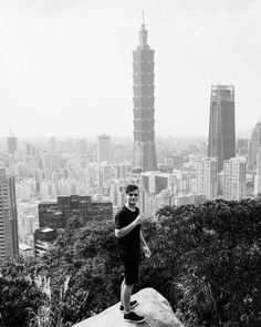 "402.6 k mentions J'aime, 1,919 commentaires - Martin Garrix (@martingarrix) sur Instagram : ""Taiwan I CANT WAIT FOR TONIGHTS SHOOOW!"""